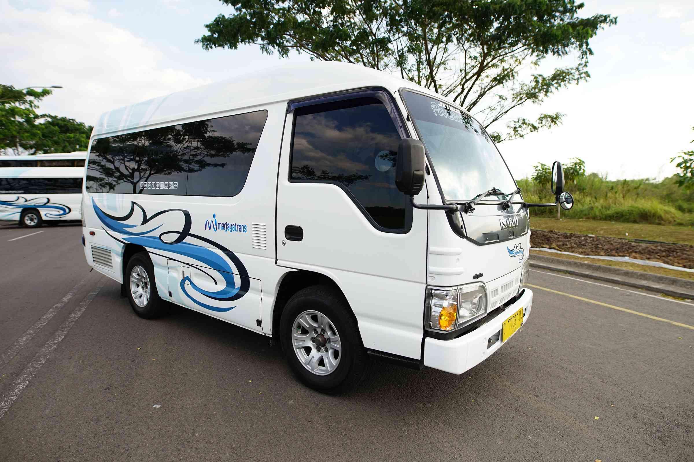 Harga Sewa Bus Pariwisata Terbaik 2020